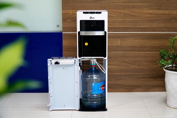 Cây nước nóng lạnh bình âm cao cấp FujiE WD8500C