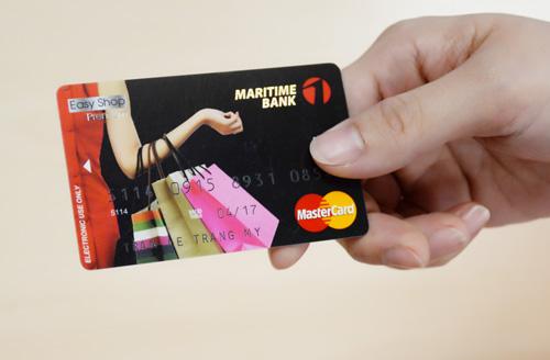 Hình thức thanh toán trả góp bằng thẻ tín dụng là gì?