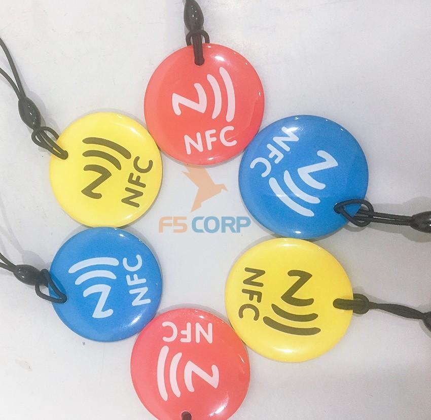 Thẻ cảm ứng từ NFC