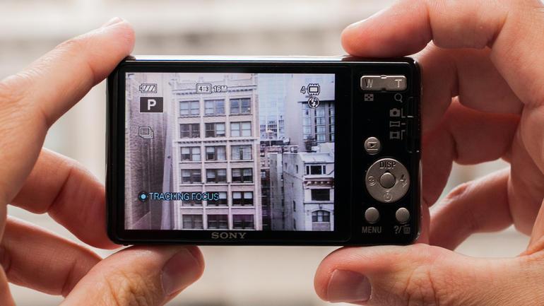 Máy ảnh Sony DSC-W690/BC E32